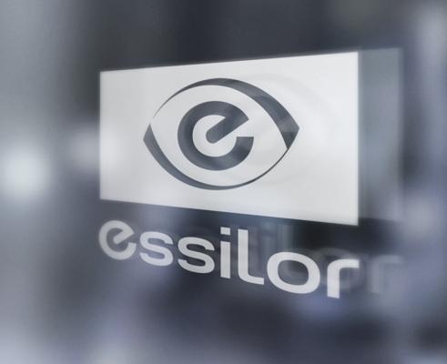 Essilor là thương hiệu sản xuất tròng kính thuốc hàng đầu thế giới